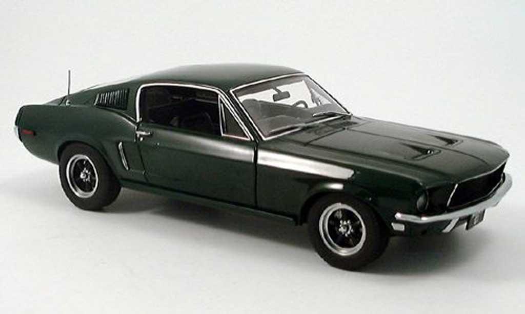 Ford Mustang GT 1/18 Autoart 390 grun miniature
