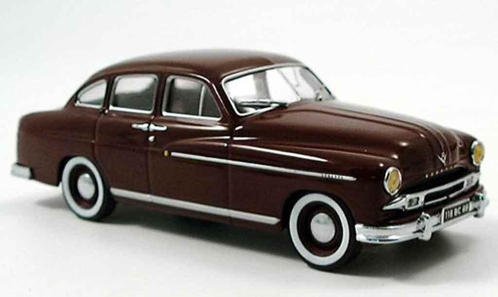 Ford Vedette 1/43 IXO marron 1954 miniatura
