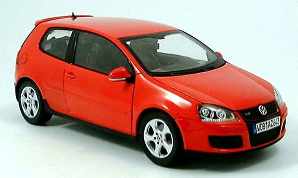 Volkswagen Golf V GTI 1/18 Norev red 3 portes diecast model cars