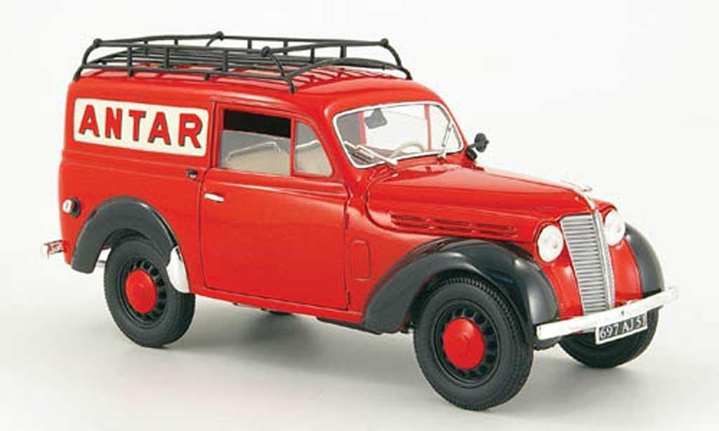 Renault Juvaquatre 1/18 Solido red antar 1952 diecast