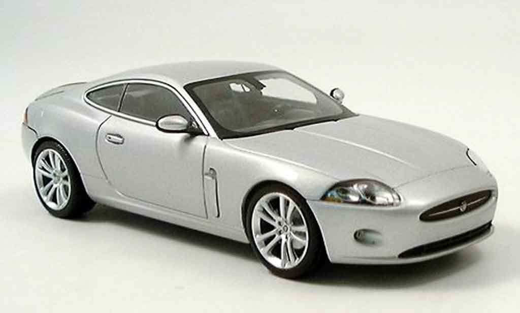 Jaguar XK coupe 1/43 Minichamps grise metallisee 2005 miniature