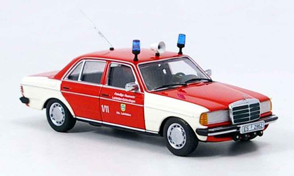 Mercedes 200 1/43 Minichamps pompier Leinfelden Echterdingen miniature