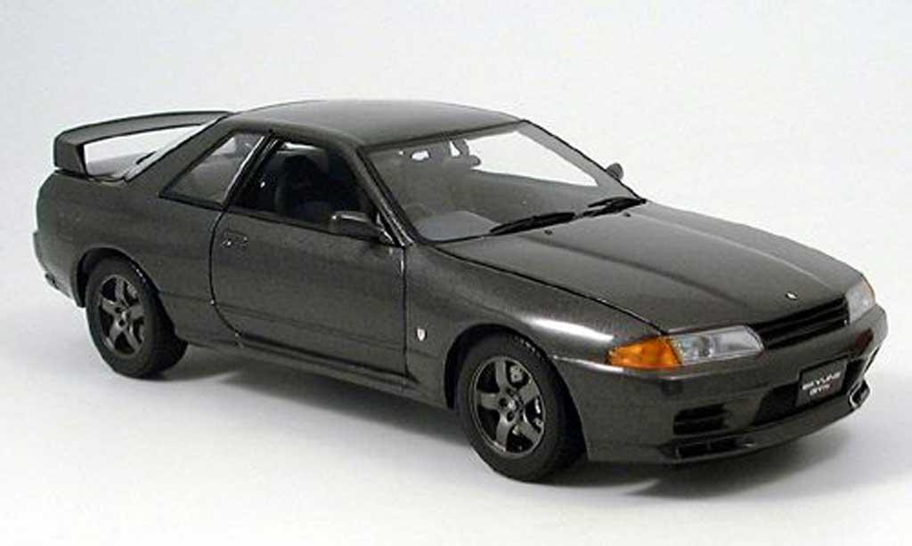Nissan Skyline R32 1/18 Kyosho gt-r bnr grise miniature
