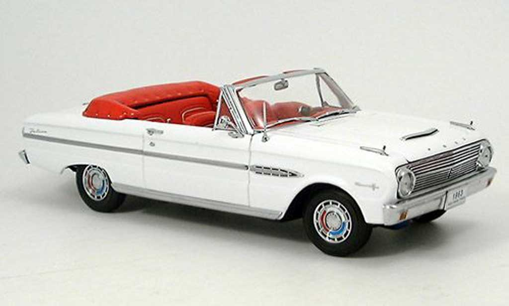 Ford Falcon Cabriolet 1/18 Sun Star blanche 1963 miniature