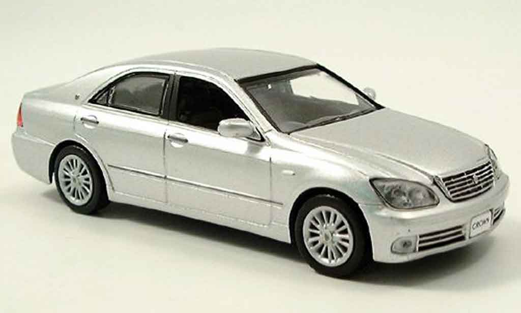 Toyota Crown 1/43 J Collection grise metallisee miniature