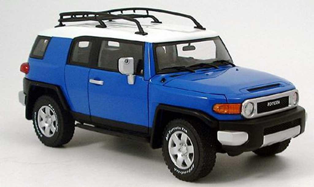 Toyota FJ Cruiser 1/18 Autoart bleu