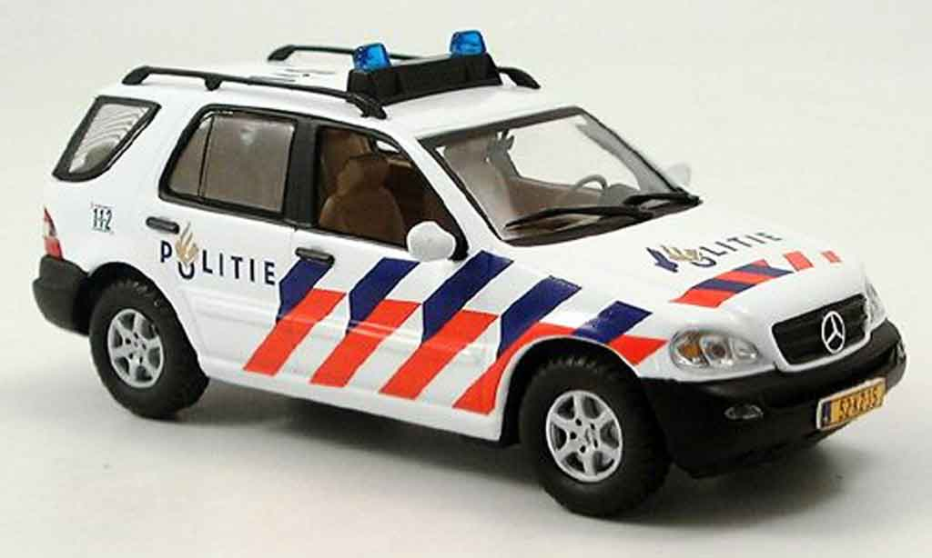 Mercedes Classe M 1/43 IXO police Holland 2003 miniature