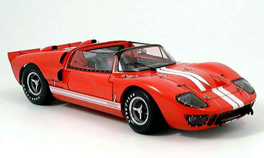 Ford GT 40 1/18 Exoto mk ii roadster rouge miniature