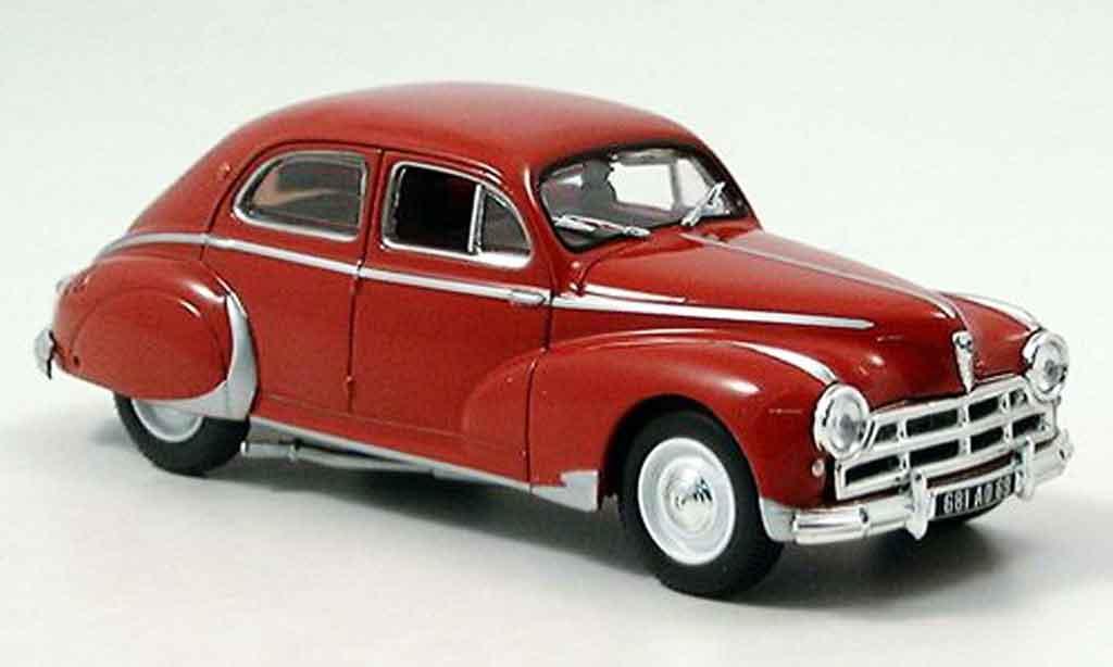 Peugeot 203 Berline 1/43 Norev darl mat  rouge 1953 miniature