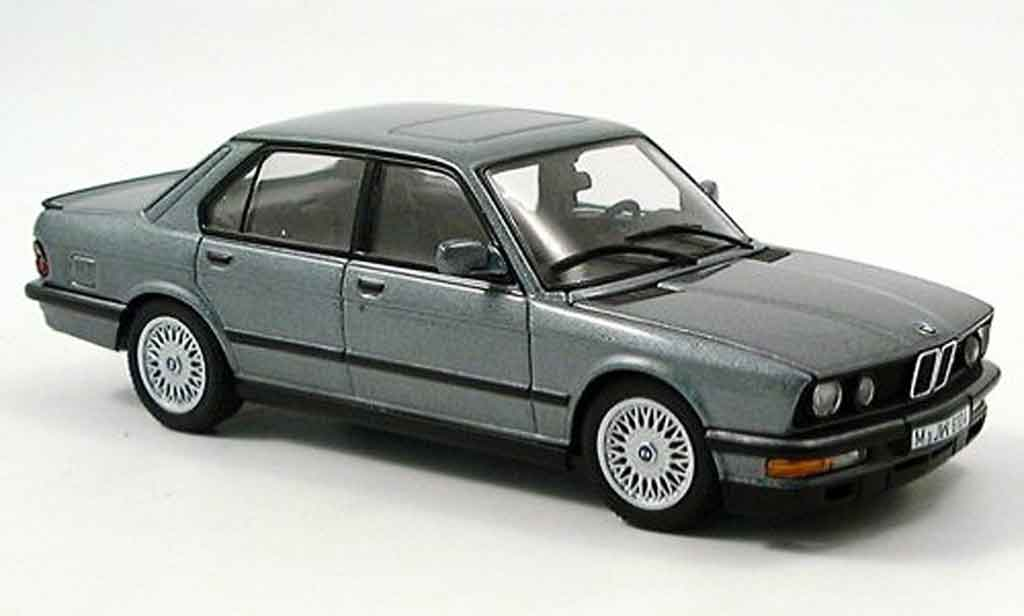 Bmw M5 E28 1/43 Autoart grise 1987 miniature