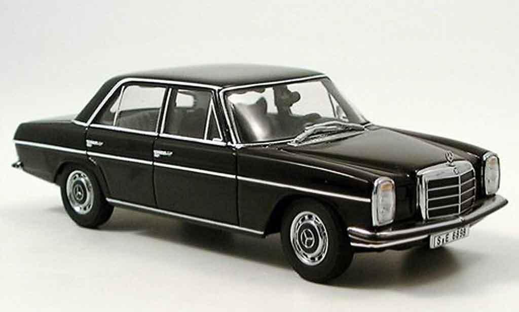 Mercedes 220 1/43 Autoart D Strichachter black diecast model cars