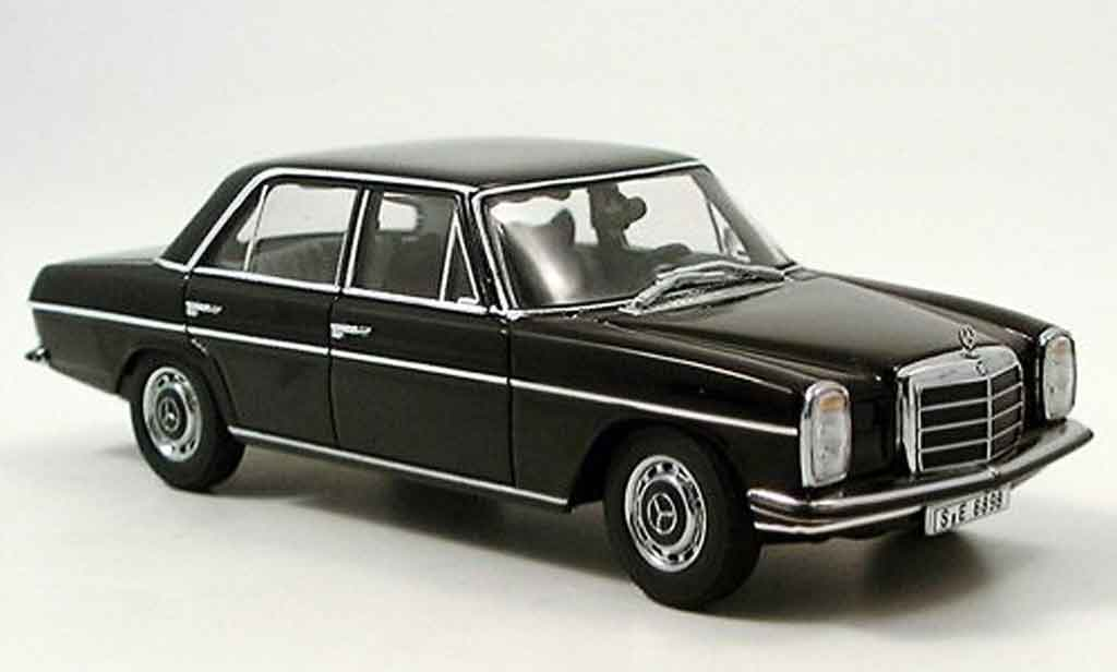 Mercedes 220 1/43 Autoart D Strichachter black diecast