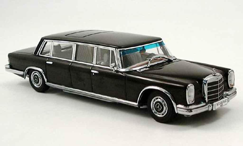 Mercedes 600 Pullmann 1/43 Autoart Pullmann (W 100) noire miniature