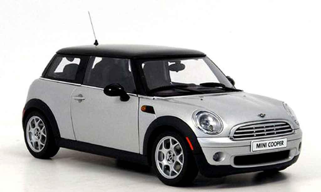 Mini Cooper D 1/18 Autoart grise noire miniature