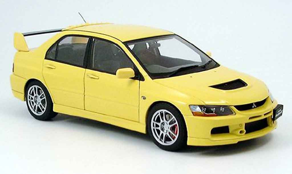Mitsubishi Lancer Evolution IX 1/18 Autoart gsr jaune miniature