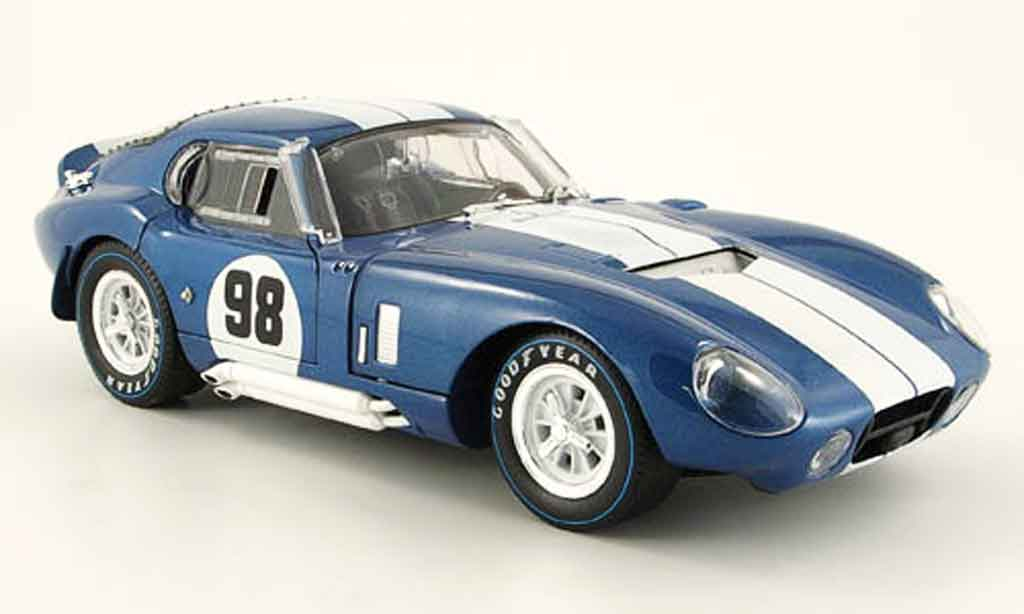 Shelby Cobra Daytona 1/18 Shelby Collectibles coupe no.98 bleu blanche 1965 miniature