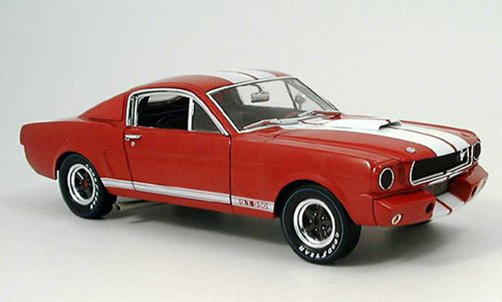 Shelby GT 350 1966 1/18 Shelby Collectibles racing rouge avec bandes blanches miniature