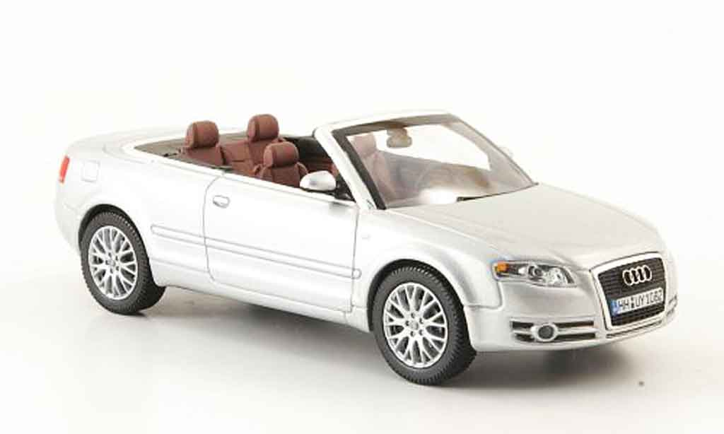 Audi A4 cabriolet 1/43 Norev grise metallisee 2006 miniature