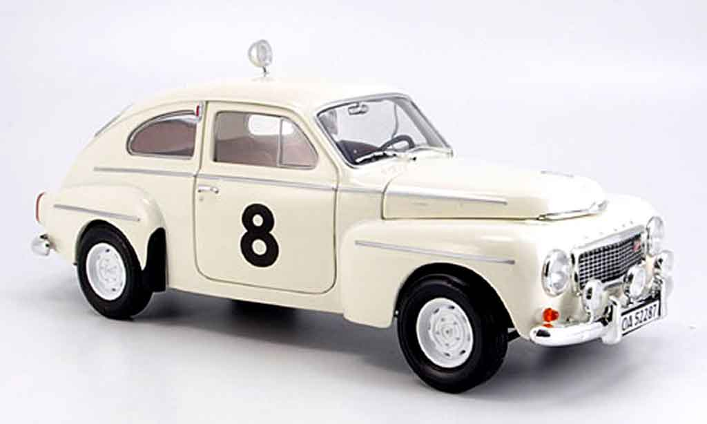 Volvo PV 1/18 Revell 544 racing no.8 miniature