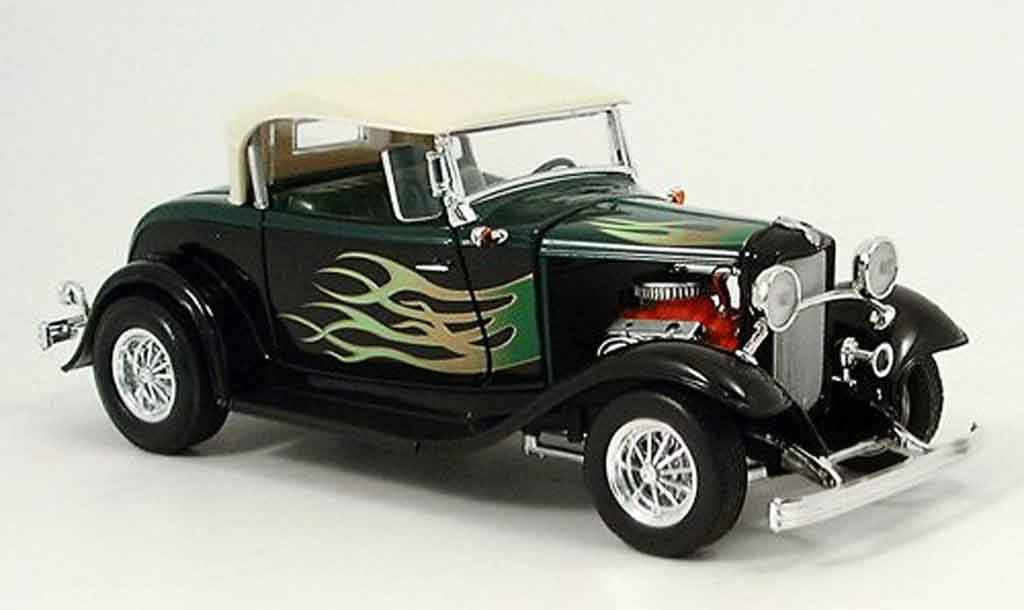 Ford Hot Rod 1/18 Yat Ming roadster street rod verte/noire avec flammen 1932 miniature