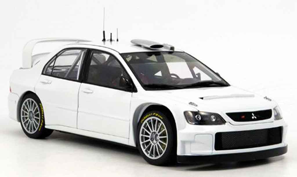 Mitsubishi Lancer Evolution IX 1/18 Autoart wrc blanche plain body version 2005 miniature