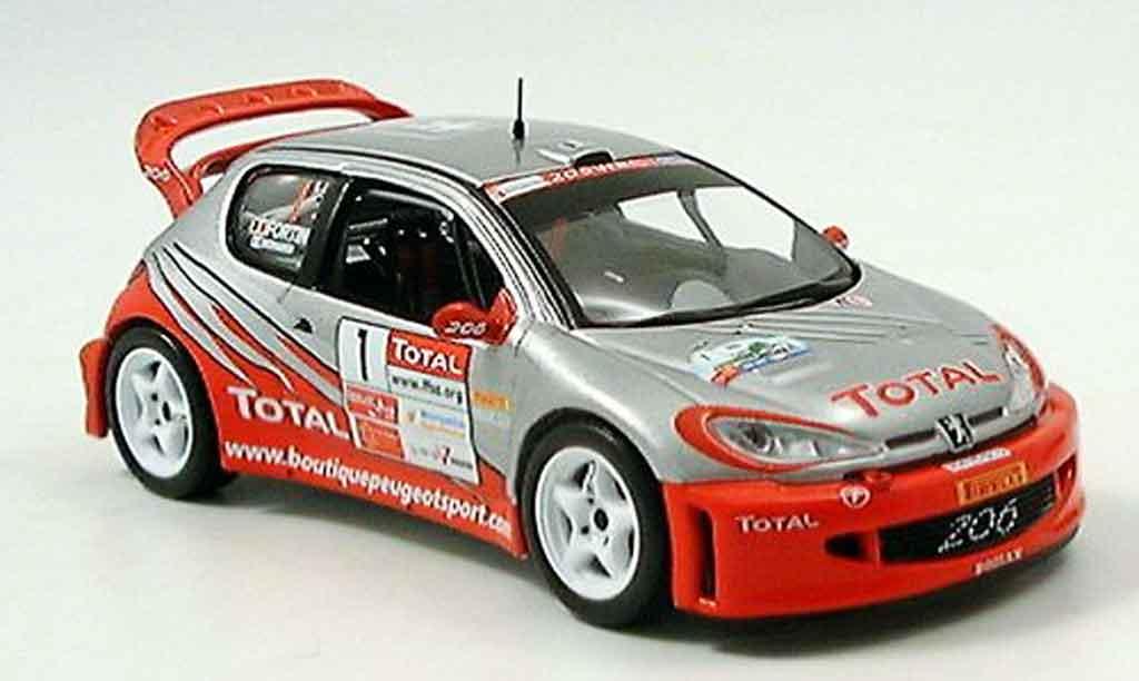 Peugeot 206 WRC 1/43 IXO no.1 bernardi fortin rallye cevennes 2005