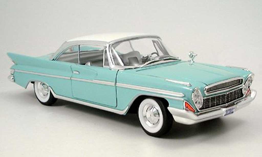 Desoto Adventurer 1/18 Yat Ming turkis/blanche 1961 miniature