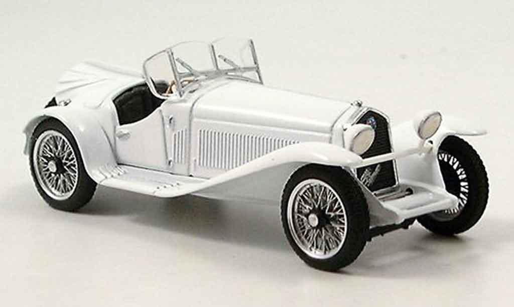 Alfa Romeo 2300 1/43 Brumm cabrio bianca miniatura