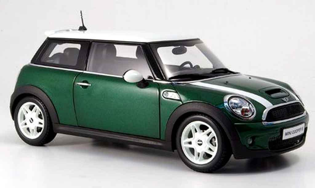 Mini Cooper D 1/18 Kyosho grun et bandes weisss modellautos
