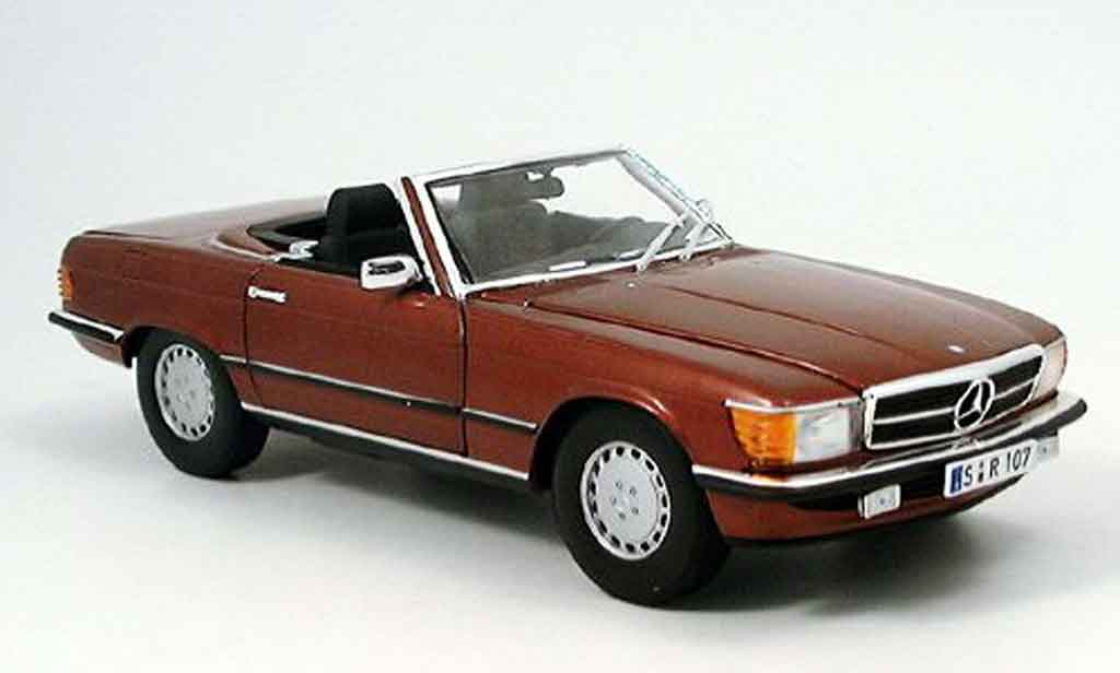 Mercedes 350 SL 1/18 Norev (r 107) rouge miniature