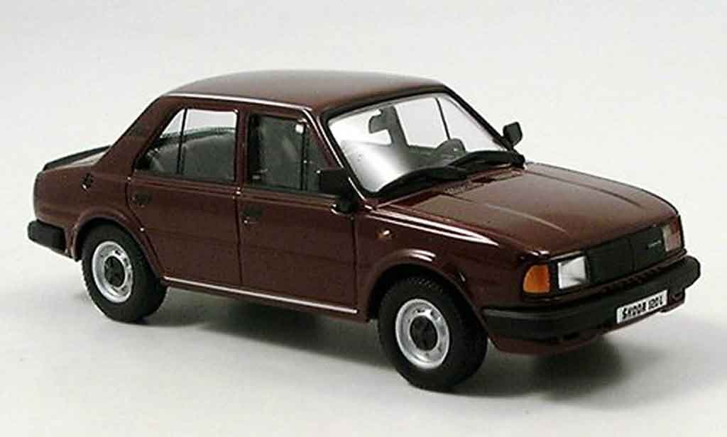 Skoda 120 1/43 Abrex l marron 1986 miniature