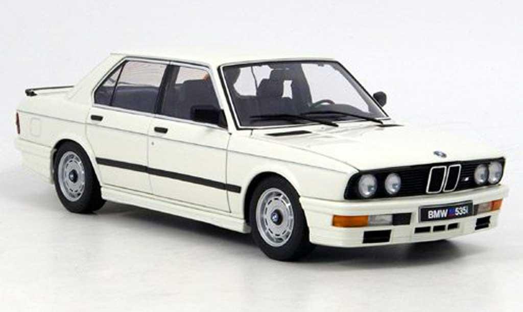 Bmw M5 E28 1/18 Autoart 535i blanche 1985 miniature