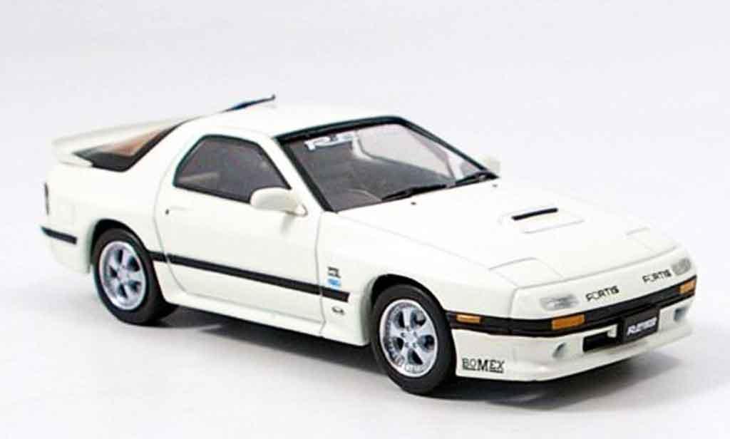Mazda RX7 1985 1/43 Aoshima white diecast