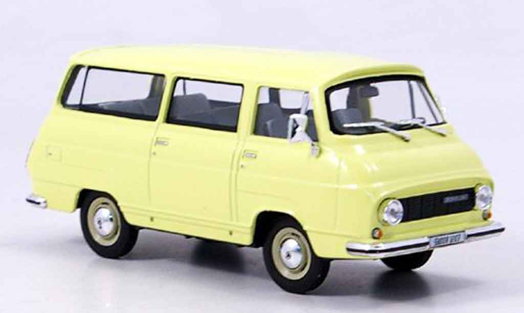 Skoda 1203 1/43 Abrex lieferwagen jaune miniature