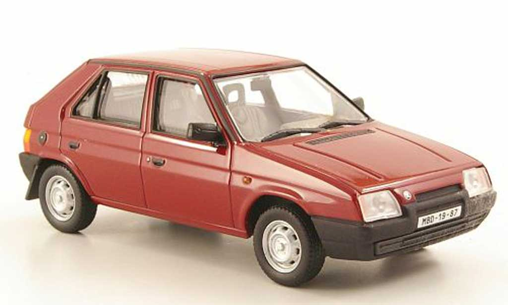 Skoda Favorit 1/43 Abrex 136L rouge 1987 miniature