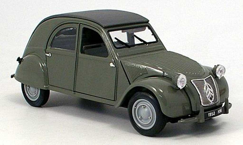 Citroen 2CV 1/18 Maisto olivgrun miniature