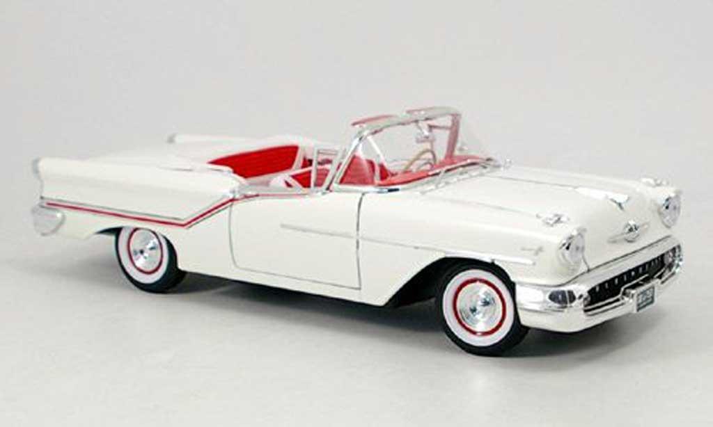 Oldsmobile Super 88 1/18 Yat Ming convertible blanche 1957 miniature