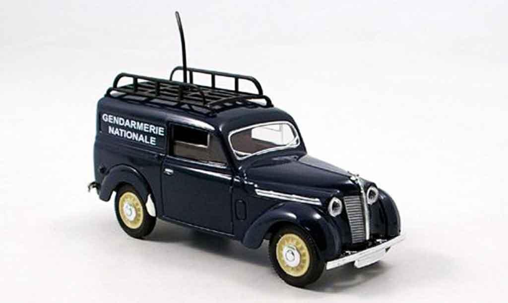 Renault Juvaquatre 1/43 Solido lieferwagen gendamerie 1952 diecast