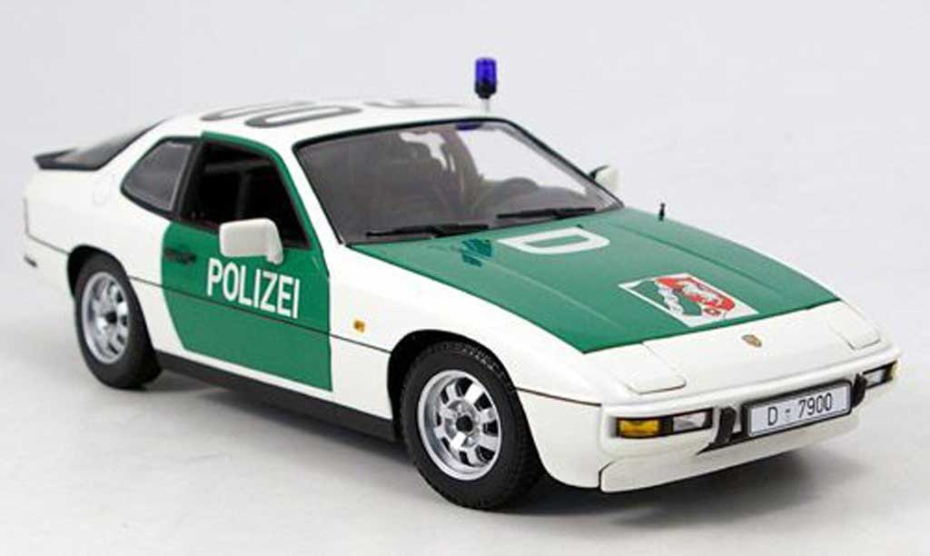 Porsche 924 1/18 Minichamps police autoroute dusseldorf reduziert