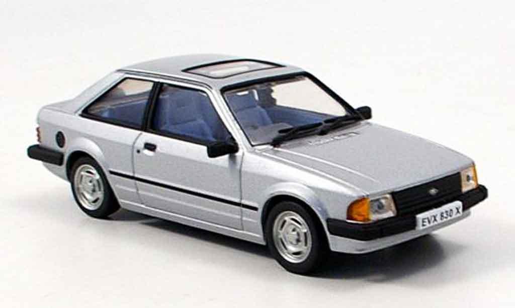 Ford Escort MK3 1/43 Vitesse grise metallisee miniature