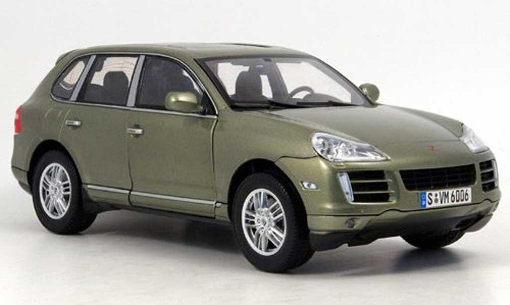 Porsche Cayenne S 1/18 Norev green 2007 diecast