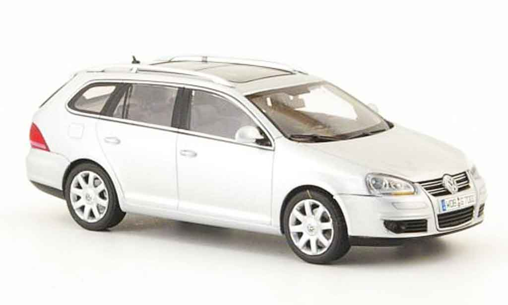 Volkswagen Golf V 1/43 Autoart variant met grey metallisee 2007 diecast model cars