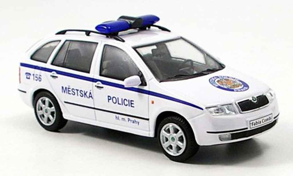 Skoda Fabia 1/43 Abrex combi police prag tschechien miniature