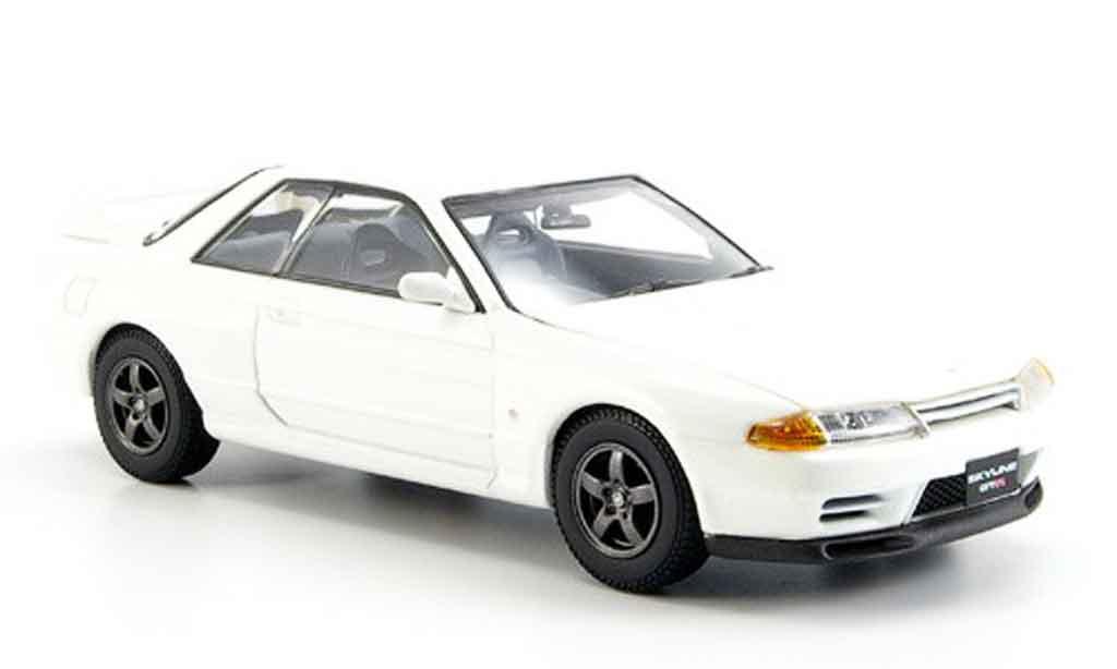 Nissan Skyline R32 1/43 Kyosho GTR bianca miniatura