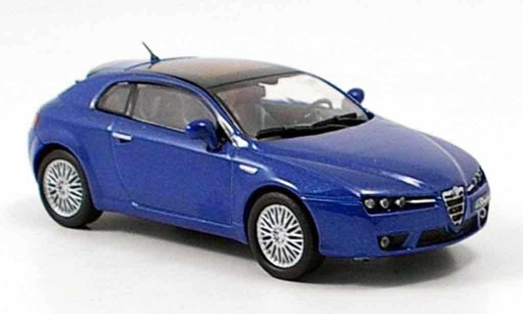 Alfa Romeo Brera 1/43 M4 bleu 2005 diecast