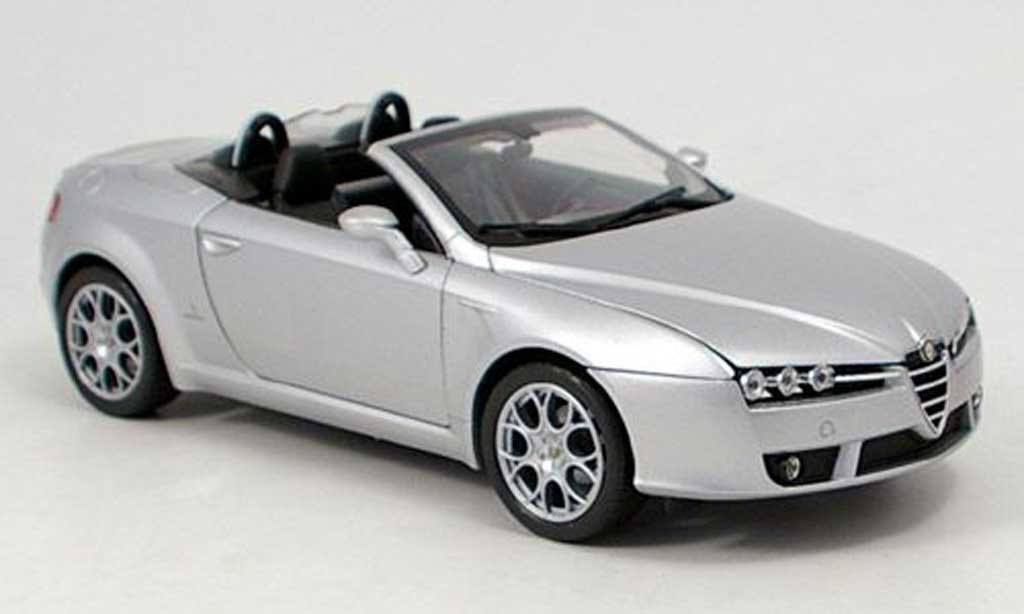 Alfa Romeo Spider 1/18 Welly grey 2007 diecast model cars