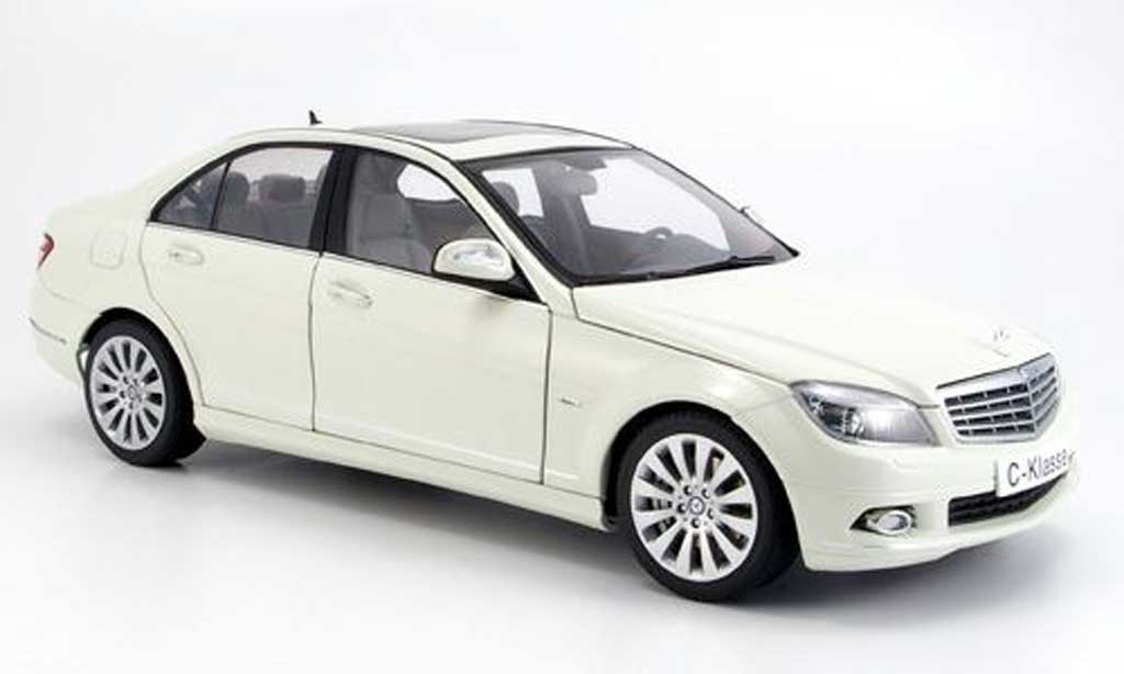 Mercedes Classe C 1/18 Autoart berline (w 204) elegance white diecast model cars