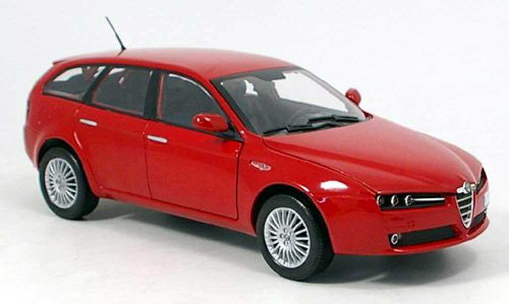 Alfa Romeo 159 1/18 Mondo Motors sportwagon red 2007 diecast