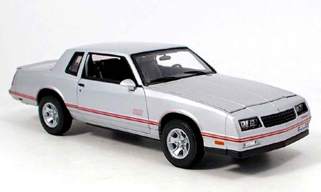 Chevrolet Monte Carlo 1/18 Welly ss grise miniature