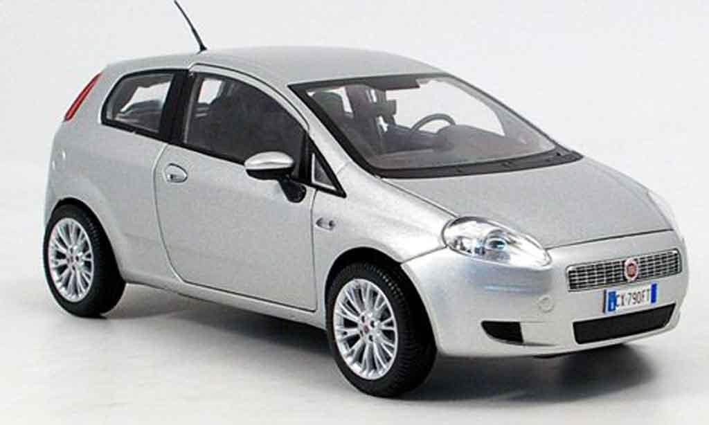 Fiat Grande Punto 1/18 Mondo Motors grise 2007 miniature